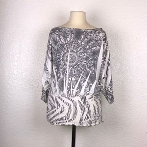 NEW Rhapsodielle - Gray & White Blouse ((Small))